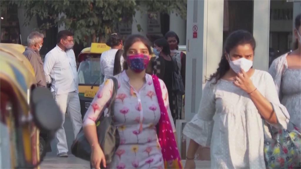 印度疫情狂燒 單日超過26萬人染病 兩大城實施宵禁
