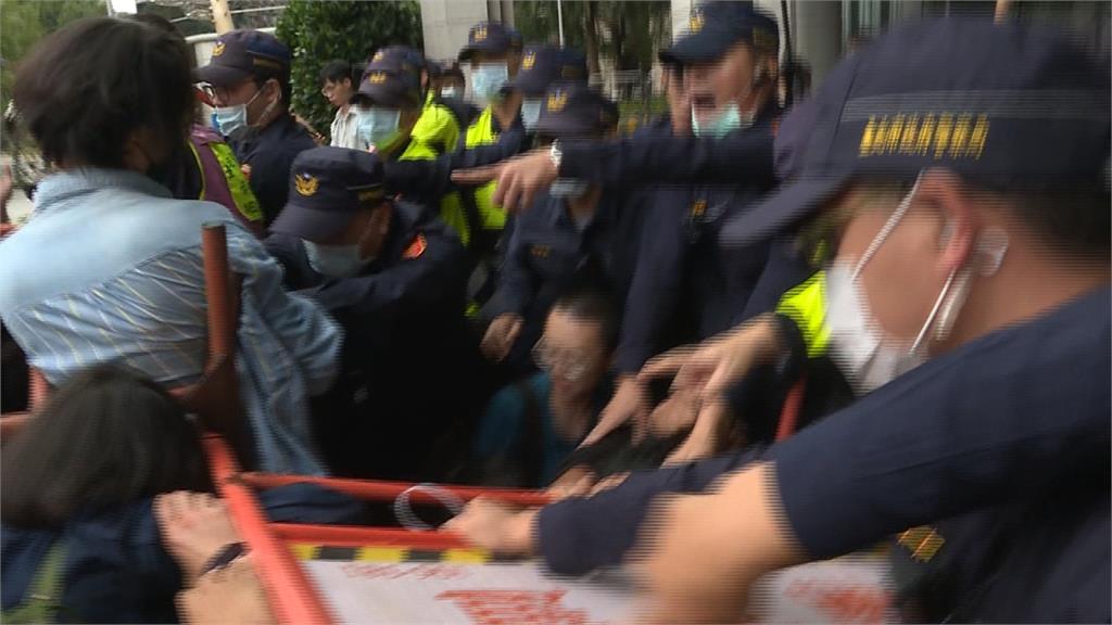 抗議南鐵東移又強拆!聲援群眾衝交通部爆發流血衝突