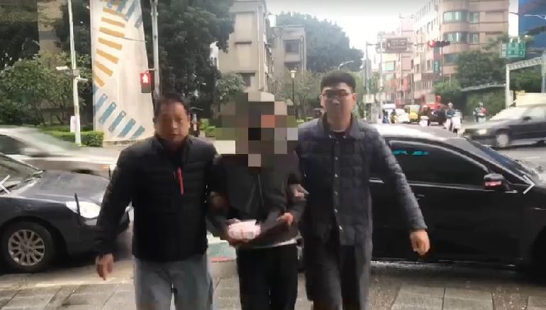快新聞/新北板橋男持刀登門狂刺被害人 逃逸6天身無分文自行投案