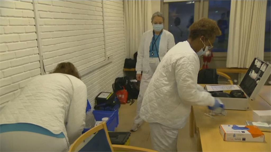開全球第一槍!丹麥全面停打AZ疫苗  美疫管局建議停打嬌生疫苗