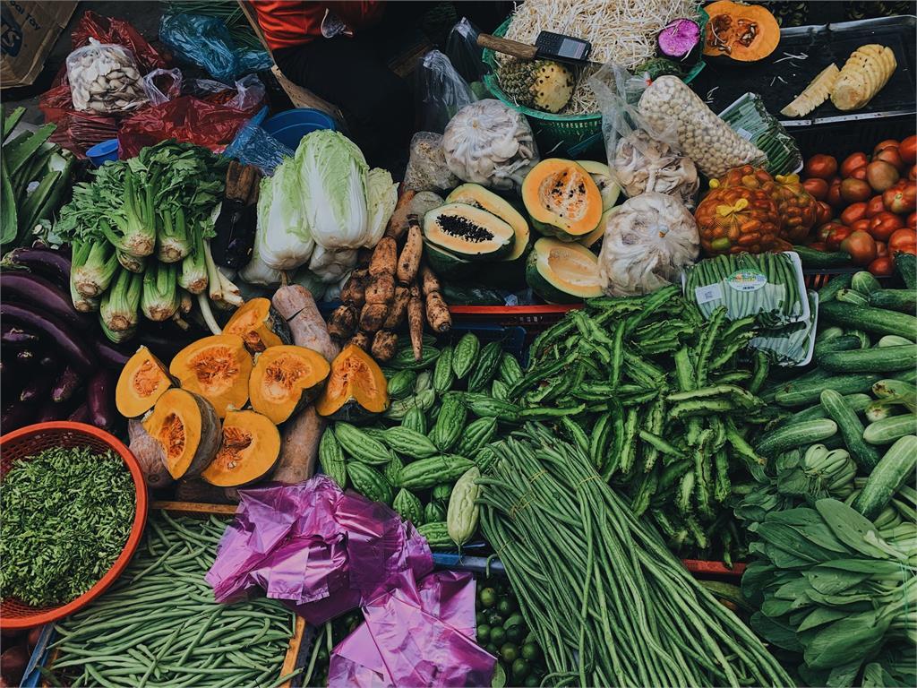 馬鈴薯發芽能吃嗎?營養師1張圖揭密「10食材」:這4樣長芽更營養!