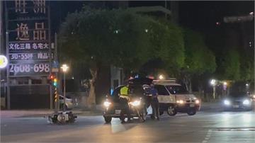 警執勤鳴笛趕處理酒客互毆 駕駛禮讓...「過了一台後面還有」警遭撞飛