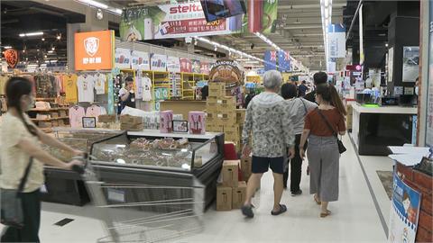 超商賣場管制再升級 一坪一人 超過採一進一出