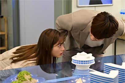 綾野剛《深深地戀愛》展現「傲嬌美」 石原聰美:很心動!會被這樣男人吸引