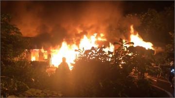 花蓮木造民宅深夜火警 傳有人受困持續搜救