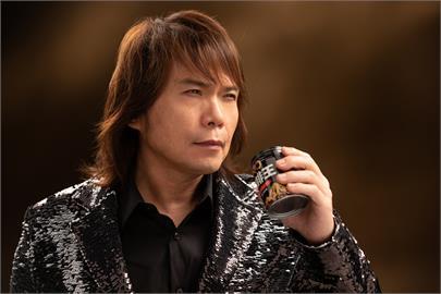 伍佰最新代言「KO咖啡王」喝了直誇:這罐咖啡不一樣!