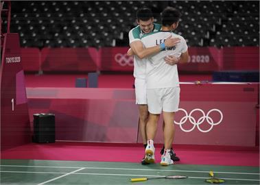 東奧/「麟洋配」拍下台灣首面羽球金牌 蔡英文大讚:讓世界看見台灣選手實力!
