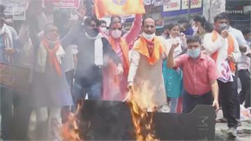 中印衝突「世界終局之戰?」中解放軍手持關刀衝向印軍影片曝光