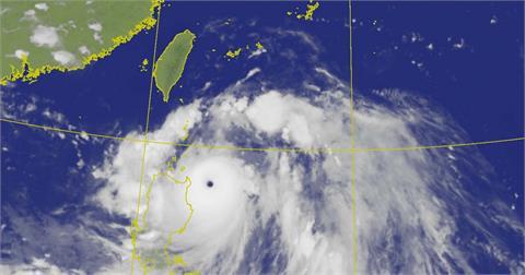 LIVE/強颱「璨樹」增強17:30海陸警齊發 氣象局最新說明