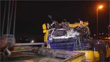 大彎道失控側翻 氫氣聯結車墜高架橋9氫氣鋼瓶連5爆 轟然巨響嚇壞居民