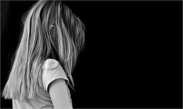 「希望繼父別再碰我」耶誕老人鐵拳營救小女孩故事瘋傳...遭踢爆:假消息