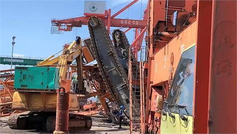 快新聞/台中港工安意外!  大型吊車翻覆釀1死1傷