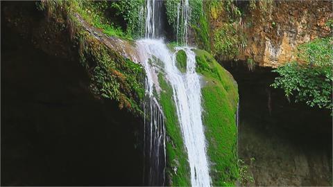 久旱逢甘霖又「充滿活力」南投杉林溪松瀧岩恢復水量