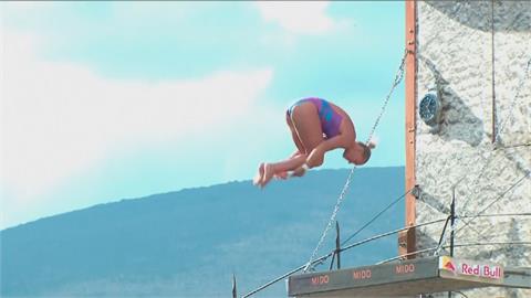 女子懸崖跳水無敵 伊芙蘭連奪十站冠軍