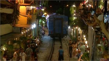 火車不再觸手可及!越南鐵道咖啡廳被勒令停業