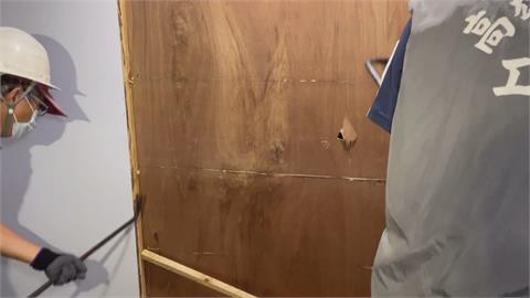 老樓私設木製柵門 易燃阻逃生!遭拆除開單