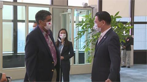 帛琉總統惠恕仁率團抵台!「大讚台防疫亮眼」促兩國旅遊泡泡
