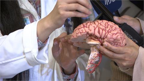 罕見!40歲男罹帕金森氏症 「深部腦刺激」重回穩健腳步