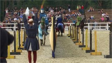 中世紀鐵甲武士戰!騎術武術兼備還得有錢