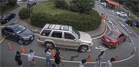 微解封「第1個週末」人車狂湧!二子坪停車場不到10點就被塞爆