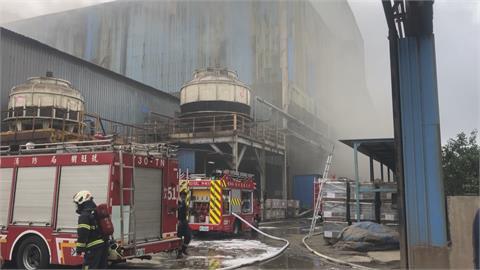 彰化伸港煉鋼廠大火 濃煙密布疏散百員工幸無傷亡