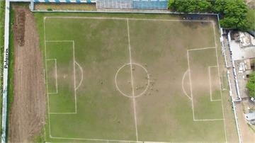 足球/梯形球場也能踢!利尼爾斯隊擁「最強主場優勢」