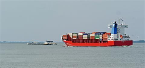 貨櫃航運Q4不看淡?美貨櫃量「激增40%」秋冬運能有望再衝頂