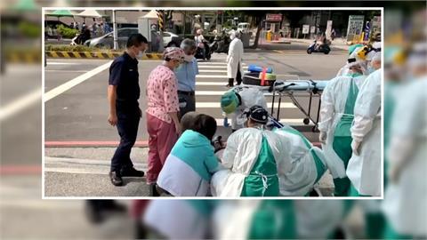 60歲婦人行道上突昏厥 員警立即施行CPR急救