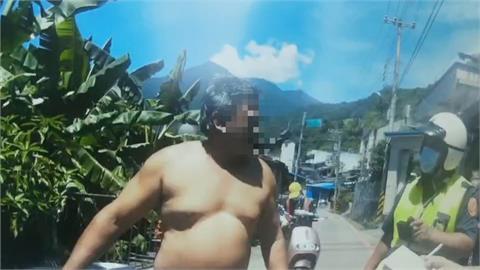 不戴口罩去雜貨店 遭警抓包男辯稱「去游泳怎麼戴口罩?」