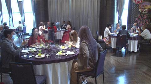 文訂婚宴一桌5人! 設隔板、統一分菜防疫戒備