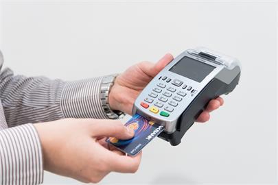 辦17張信用卡都不刷!他曝「致命」原因 網認同:額度不是問題