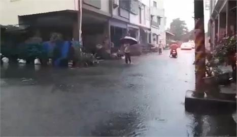 快新聞/雨炸中南部!石門、鯉魚潭等8水庫放水中 南高屏發布淹水警戒