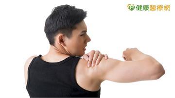 長期反覆、持續手臂上舉  當心「旋轉肌袖症候群」上身