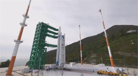 韓自製火箭世界號完成起豎 預計明天下午發射