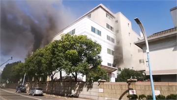 快新聞/桃園欣興電子又冒黑煙! 無人受困消防員搶救中