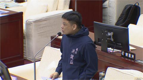 遭洪健益質疑「怎麼沒有帶頭打」  陳佩琪反擊議員管好寬 點名蔡總統也沒打