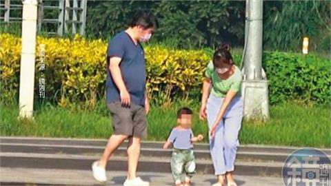 週刊爆王必勝婚外情 與小15歲護理師出遊被直擊