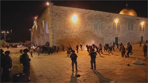 聖殿山齋戒祈禱變「以巴衝突」!哈瑪斯旗幟引爆示威 近2百人受傷
