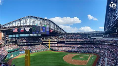 MLB/疫情下全美首例 德州遊騎兵主場全開擠進4萬人