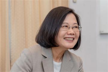 快新聞/小英臉書感謝「勇敢ㄟ台灣囡仔」 對青年、對後代承諾留下更好的國家