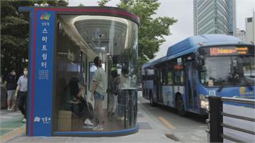 南韓防堵疫情再失速 防疫巴士站上車前先量體溫