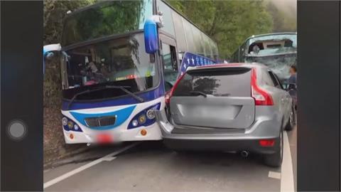 合歡山台14甲線3車撞11人傷 交通一度中斷