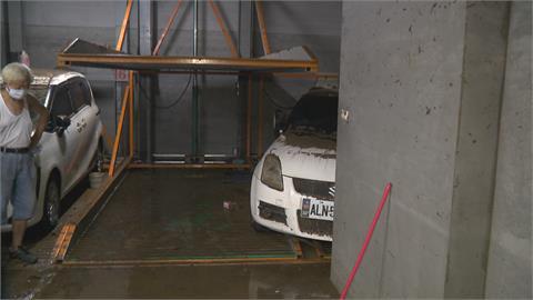 大雷雨襲新店 地下停車場遭殃水還沒抽完... 又發豪雨特報