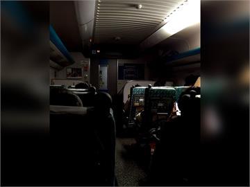 快新聞/高鐵675車次集電弓接觸電車線障礙物暫停運行 南港到台中路段延誤