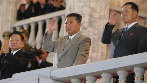 金正恩疑有12名替身?出席閱兵「非本人」專家:北朝鮮恐已政變