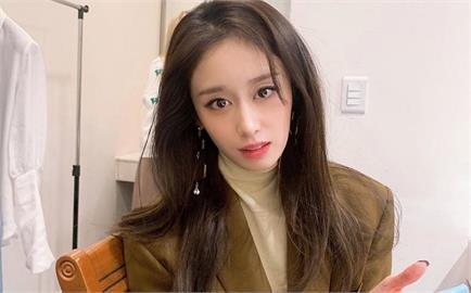 小金泰熙曬父母年輕照 「大長腿+濃眉大眼」根本不輸現任韓國偶像