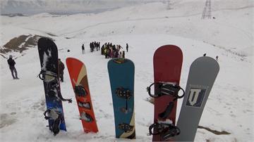 阿富汗不再只有戰亂!雪板學校帶來生活新色彩