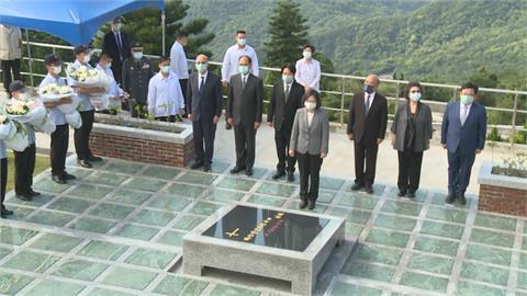 李登輝辭世一週年 蔡總統率領3院長五指山追思