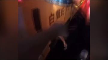 靈異事件?公車底伸出一隻手 暗夜擺動路人驚