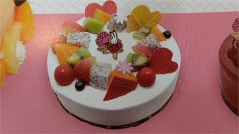 花千元買的母親節蛋糕太樸素 老顧客怒「吃半成品」
